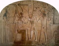 triade egizia.jpg